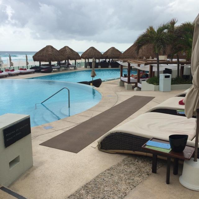 ME Cancun Resort 3