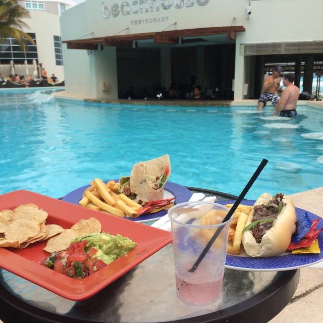ME Cancun Resort 5